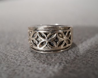 vintage sterling silver fashion band-style ring with floral design, size 7   M7