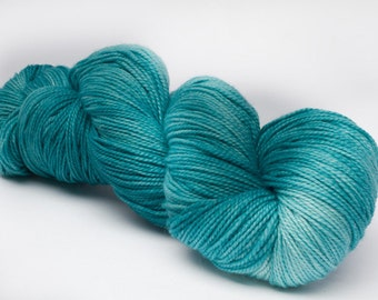Baah La Jolla Yarn Color Maldives Hand Dyed Premium Artisan Yarn!    400 Yards!