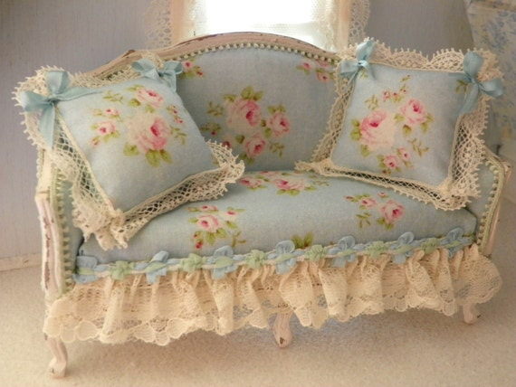 french shabby chic sofa 1 12 scale. Black Bedroom Furniture Sets. Home Design Ideas