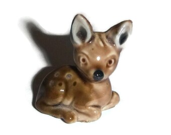 Vintage WADE Deer Figurine Fawn Whimsie Bambi 1970s Porcelain Miniature Deer Doe Woodland Decor Collectible Ceramic Statue Red Rose Tea Gift