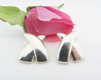 Love Earrings Kiss Earrings Sterling Earrings XX Earrings Sterling Silver Earrings Woman Earrings Fashion Earrings Gifts For Her
