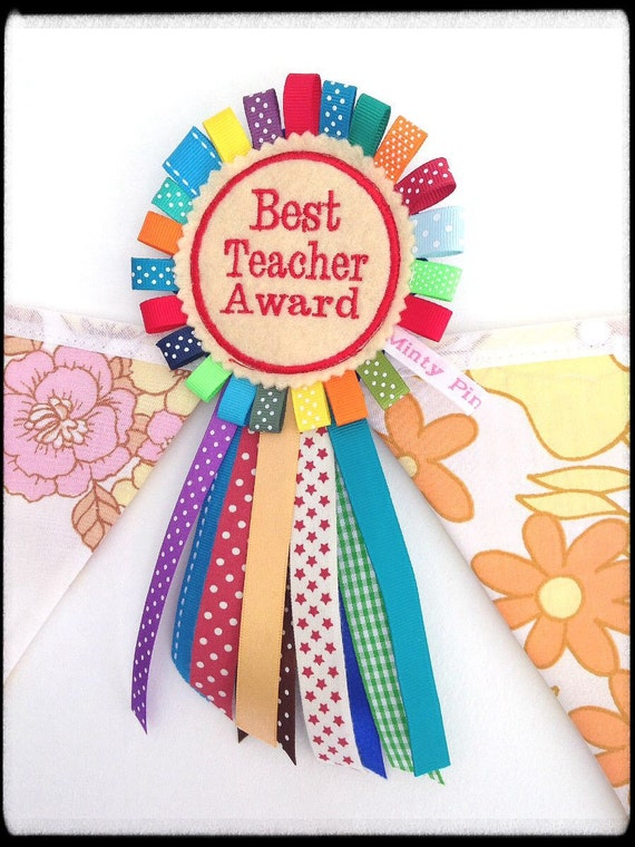 best teacher award essays Amazoncom: side by side: essays on teaching to learn (workshop series)   the first classroom teacher to be awarded the ncte david h russell award and   also honored as ncte's outstanding middle school english teacher and as.