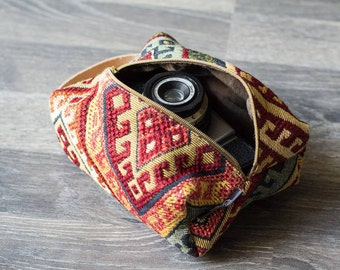 Handmade boxpouch with aztec/etnic print