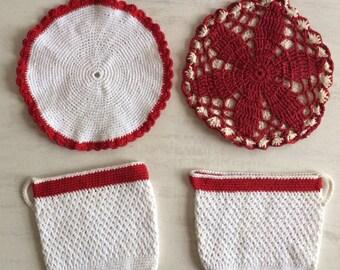 4 Retro Red & White Crocheted Pothlders