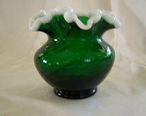 Cute Little Spiral Optic Emerald Snow Crest Vase