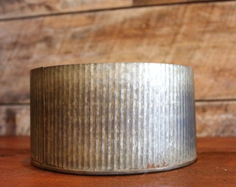 """4"""" x 7.5"""" Tin Container"""