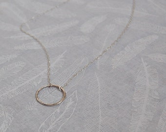 Hammered circle necklace || Sterling Silver || Minimal