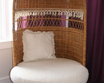 Vtg Mid Century Modern Moroccan Hooded Wicker Lounge Chair-California Style