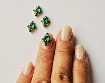2 pc of green crystal nail charm
