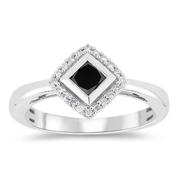 Black and white diamond ring faceted round aaa quality black diamond 1