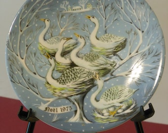 Haviland Limoges Six Geese A Laying Collector Plate (1975)