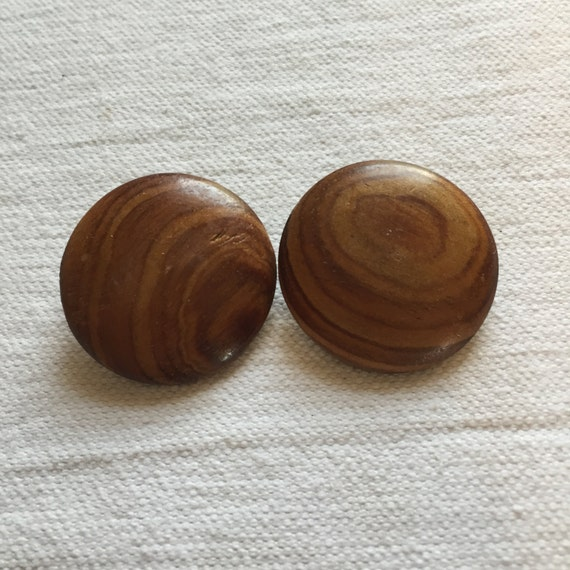 vintage wooden finish clip on earrings by theclassiclane