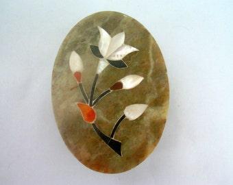 Vintage Soapstone Box / Trinket Box / Jewelry Box / Ring Box / Inlaid Box / Floral Box / Mother of Pearl Box / Onyx Box / Collectible Box