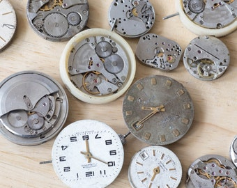 Vintage Watch Movements (pack of 5) - Perfect for Steampunk craft projects!