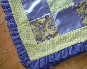 Vintage Floral  Patchwork Blanket, Baby Girl Patchwork Quilt, Vintage Chenille Nursery Bedding, Chenille Blanket
