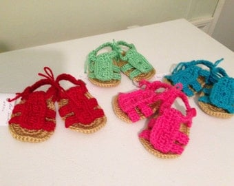 Crochet baby sandals.. Sizes NB-12mo