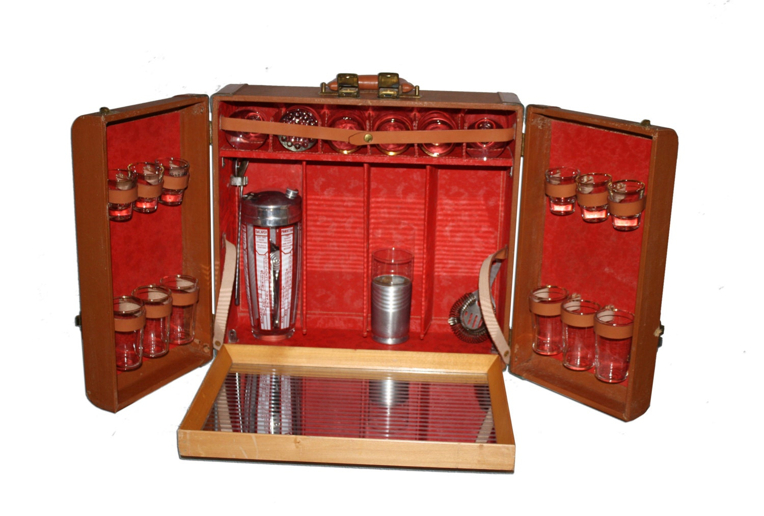Vintage portable travel bar in leather cowhide case with - Mobile bar vintage ...