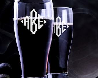 2 Personalized Groomsmen Pilsner Glass - Pilsner Glass - Custom Pilsner Glass - Personalized Groomsmen Beer Mug - Engraved Pilsner Glass