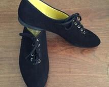 vintage 1950s flats // 50s black sneaker shoes
