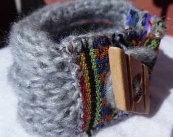Bracelet silver gray, 3 rows of hand-woven fabric Típic Tricotin and aguayo fabric of Indigenous Women of Bolivia