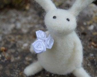 Needle Felt Rabbit Holding Flowers, Handmade,Anniversary,OOAK,Bunny,Hare,Valentine,Needlefelt,Animal,Soft Sculpture,Fibre Art,Miniature,xmas