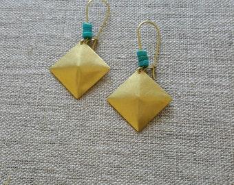Turquoise Brass Earrings / Pyramid Earrings / Gemstone Earrings / Boho Chic / Minimalist / Geometric