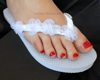Bridal Flip Flops, Wedding Flip Flop, Havaianas Flip Flops White,Vintage Romantic,Ivory. Wedding Accessories,Swarovski crystals, gift bride