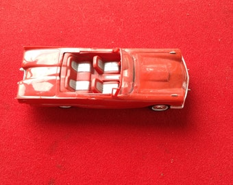 1960 AMT red Ford thunderbird model