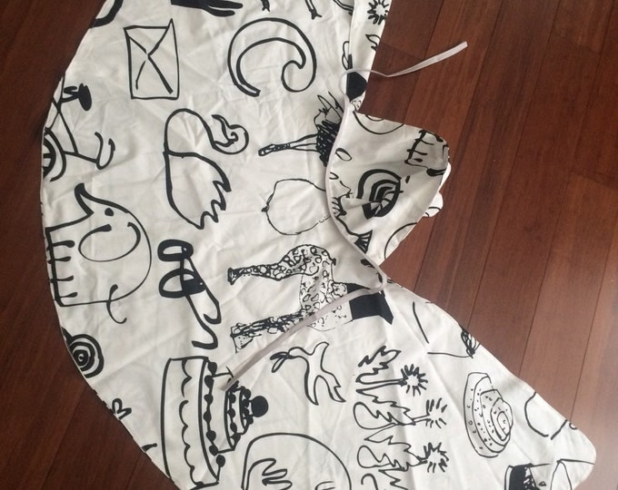 Children's art deco  cape fits ages 5 to 10 comes with fabric crayons