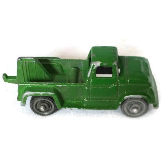 Green Toy Truck : Vintage tootsie toy tow truck green diecast