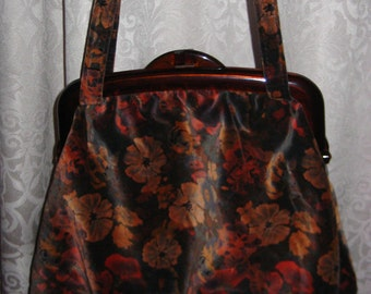 Vintage Carpetbags of America Tapestry Floral Purse Bag