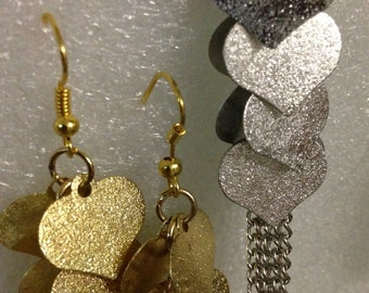 Textired Waterfall Hearts on Chains Drop Pierced Earrings