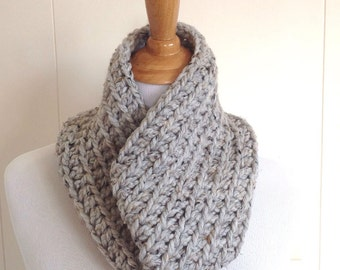 Circle scarf - Super chunky scarf - Infinity scarf - Womens chunky cowl - Teens accessories