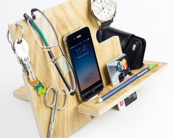 iPhone stand wood