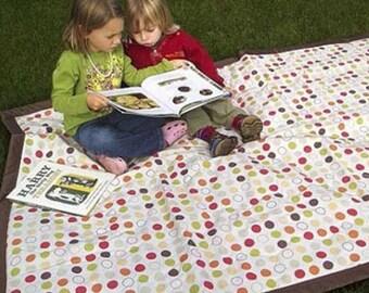 Dots Water Resistant Blanket