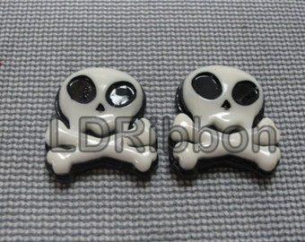 Alien Skull Flat Back Resins (Set of 2)