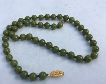 Vintage Nephrite Jade Bead Necklace