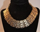 Chantilly Lace Vintage Sarah Coventry necklace #8845
