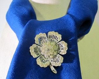 Vintage Rhinestone Flower Brooch Pin - clear, silver-tone - antique - retro, costume jewelry, filigree, ornate, delicate, classic