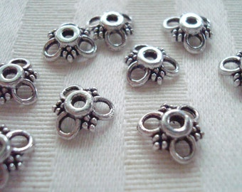 10x3mm 50pc Beautiful 3 Petal Cast Flower Cap Antiqued Silver Finish  ~ Ships From Oregon