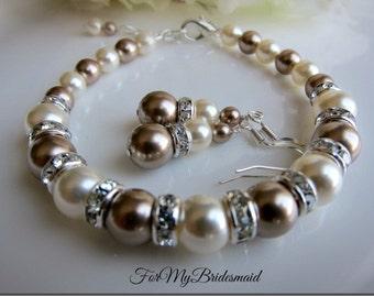Bridal bracelet. Bridesmaid bracelet. Wedding pearl bracelet. Bridesmaid jewelry. Rhinestone pearl bracelet. Swarovski Pearl ivory champagne