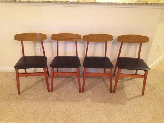 Iconic mid century modern dining room chairs set of 4 for Iconic modern chairs