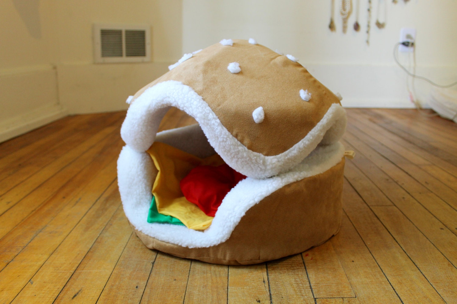 hamburger cat and small dog bed different by