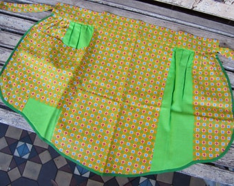 Retro/Vintage Yellow and Green Apron
