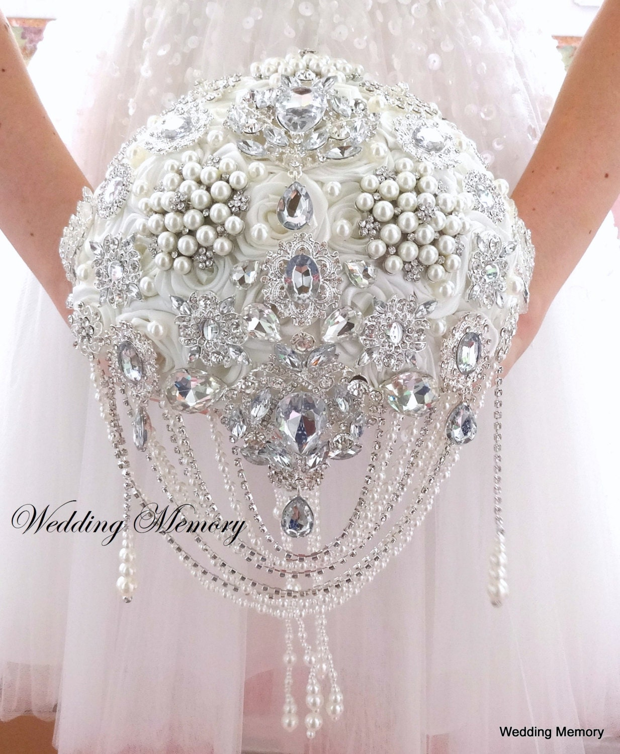 brooch bouquet ivory bling pearl and crystals cascading. Black Bedroom Furniture Sets. Home Design Ideas