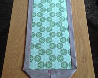 Medallion Print Green/Taupe Table Runner