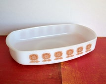 Federal Glass Sunflower Pattern Heat Proof / Milk Glass Casserole Dish