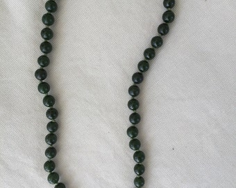 Green glass bead single strand necklace