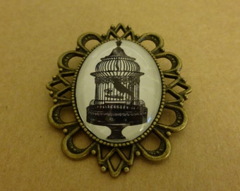 "Cameo Brooch ""Bird in a Cage"""