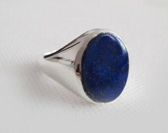 Signet ring with Lapis Lazuli stone